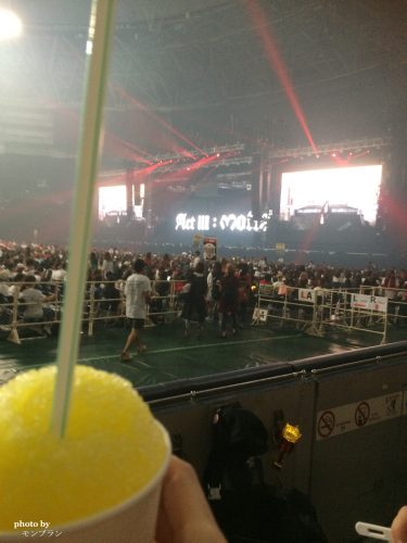 G-Dragonのソロコンサートの様子