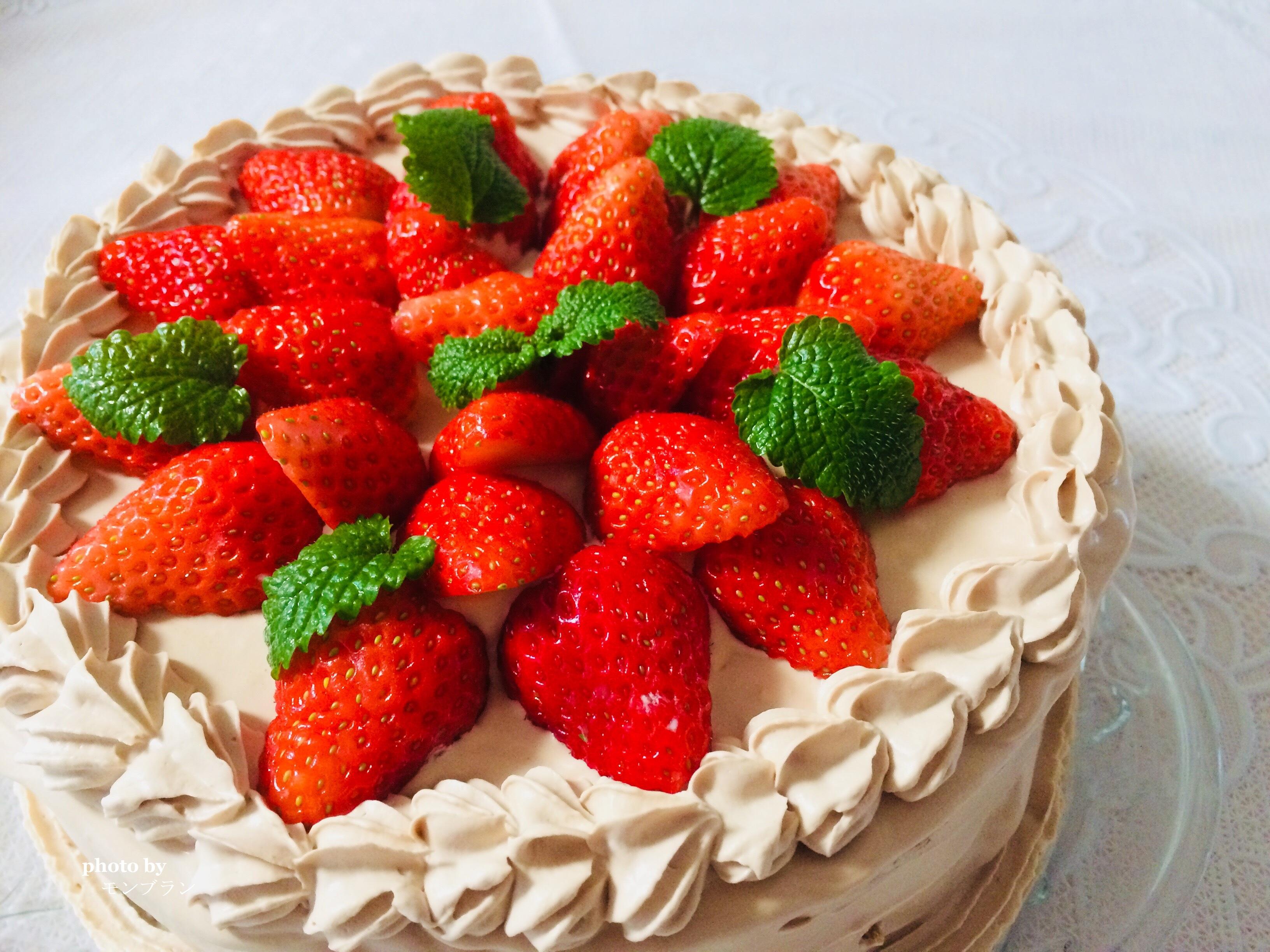 板チョコで作るチョコクリームのいちごデコレーションケーキ