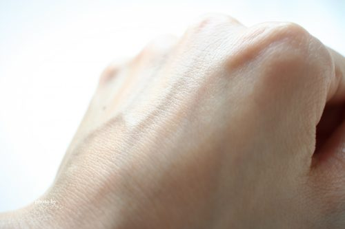 ツヤ感のある仕上がりのアンデコール高機能美容オイル