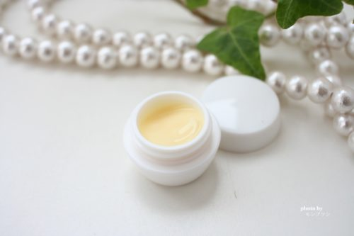 乾燥肌に効くニューピュアフコダインクリームの口コミ